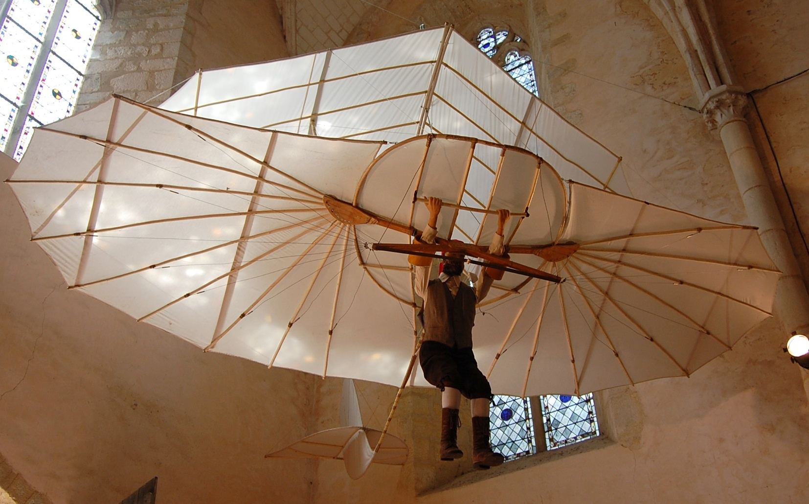 Gleitflugzeug Otto Lilienthals Replik (Otto-Lilienthal-Museum CC BY-NC-SA)